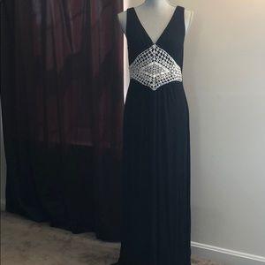 CABLE & GAUGE Pretty Black Maxi Dress!!